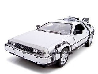 delorean-back-to-the-future-2-124-diecast-model-car-by-welly-22441