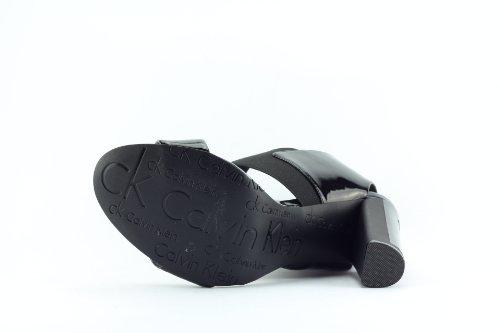 Sandalias Zapatillas Para Mujer Calvin Klein Mod. Iman Patent Sintética N11394 Coronel Negro.