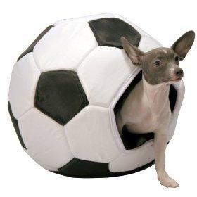 HomeTeam Pets Soccerball Bed, My Pet Supplies