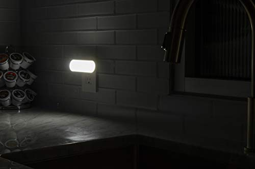 GE 12498 Ultrabrite LED Bar, Night Plug-in, Light Sensing, Auto/On/Off Switch, Ideal for Bedroom, Bathroom, Hallway, Stairs, Kitchen, Pantry, Closet and Laundry, 1 Pack, On/Off/White