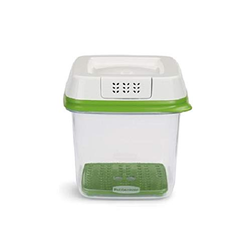 Rubbermaid FreshWorks Produce Saver Food Storage Container, Medium, 6.3 Cup,...