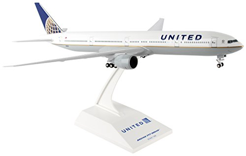 Daron Worldwide Trading Skymarks United 777-300ER 1/200 W/ Gear SKR900 New 2017 Vehicle