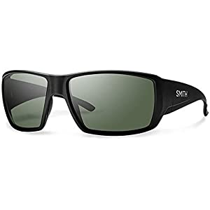 Smith Guide's Choice Sunglasses Matte Black with ChromaPop Polarized Gray Green Lens