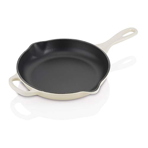 Le Creuset Signature Iron Handle Skillet, 9-Inch, Dune