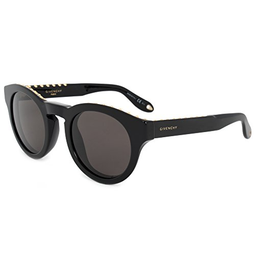 93c0731a01af Amazon.com: Givenchy GV 7007 807 NR Studed Black Plastic Round Sunglasses:  Givenchy: Clothing