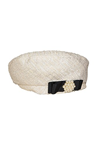 Beret with bow and stones