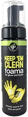 Keep Em Clean Foama voor keeper handschoenen en voetbalschoenenmaakt ze langer meegaan en beter presteren