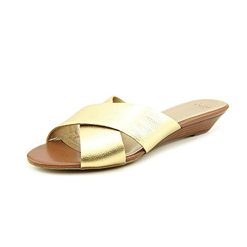 Circa Joan David Sandals (Circa Joan & David Women's Feliciti Sandal,Gold,9.5 M US)