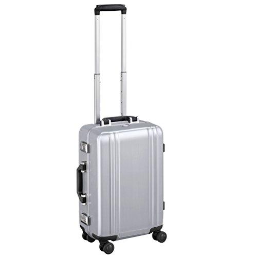 zero-halliburton-classic-polycarbonate-20-19-carry-on-4-wheel-spinner-silver