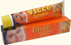 Vicco curcuma crème de jour (avec de l'huile de bois de santal)