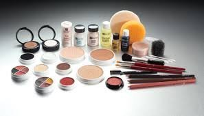 Ben Nye Theatrical Professional Creme Make up Kit by Ben Nye