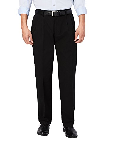 Amazon Essentials Men's Standard Classic-Fit Wrinkle-Resistant Pleated Chino Pant, True Black, 36W x 32L