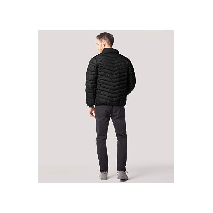 319sjqLfa3L ¡SÚPER LIGERÍSIMO! Definitivamente, más que ligero: con el peso de una camiseta, sentirás poco más que nada de penso. ¡SÚPER CÁLIDO! Sorprendentemente, a pesar de ser ligero como las plumas de su interior, estas chaquetas son de las prendas más cálidas del mercado. MATERIAL DEL INTERIOR, MARAVILLOSO: 90% plumón de pato, 10% pluma repelente al agua.
