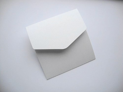 Cranberry Card Company 5 X Small Square 122X125Mm White With Hint Of Silver Pearlescent (Ice Silver) Book Fold Invitation (Pearlescent Ice)