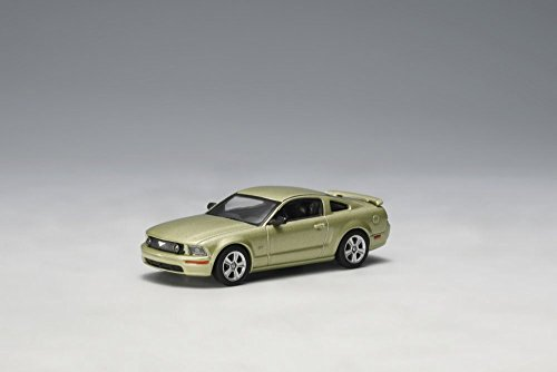 2005 Ford Mustang GT, Lime Green - Auto Art 20301 - 1/64 Scale Diecast Model Toy Car (Cars Model 2005 Mustang Toy)
