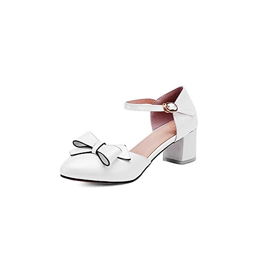 VogueZone009 Women's PU Solid Buckle Pointed Closed Toe Kitten Heels Sandals White Gi9FrGAD