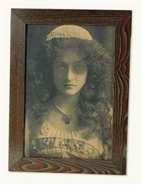 Victorian Trading Company Maude Fealy Haunted Halloween Picture Frame Animated Flashing Eyes -