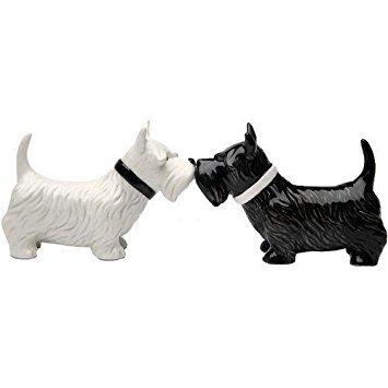 (Kissing Scottish Terrier Scottie Dogs Salt & Pepper Shaker)