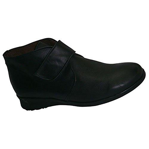 Botines con velcro piso de goma El Corzo en negro