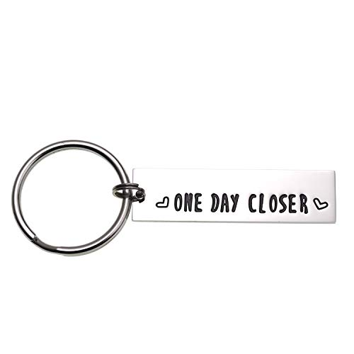 LParkin One Day Closer Keychain Valentine's Gift Boyfriend Girlfriend Gift Long Distance Relationship Friends BFF Key Chain (Keychain) (Best Valentine Gift For Long Distance Boyfriend)