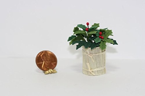 Planter Holly (Miniature 1:12 Scale Holly in Country Planter Wallpaper)