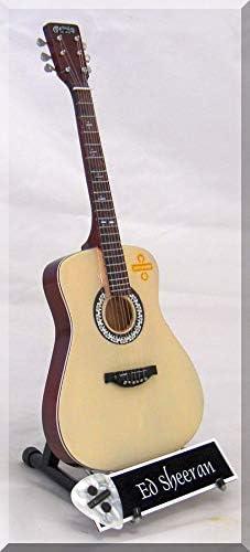 ED SHEERAN Guitarra miniatura con púa de guitarra: Amazon.es ...