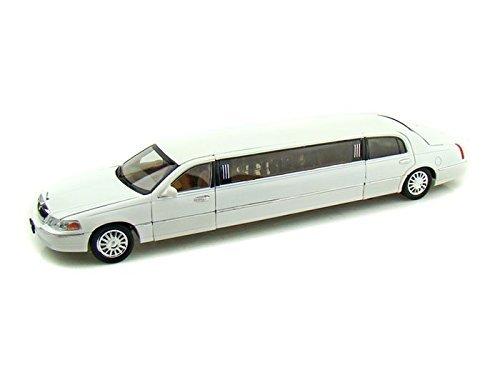 2003-lincoln-limousine-1-28-white