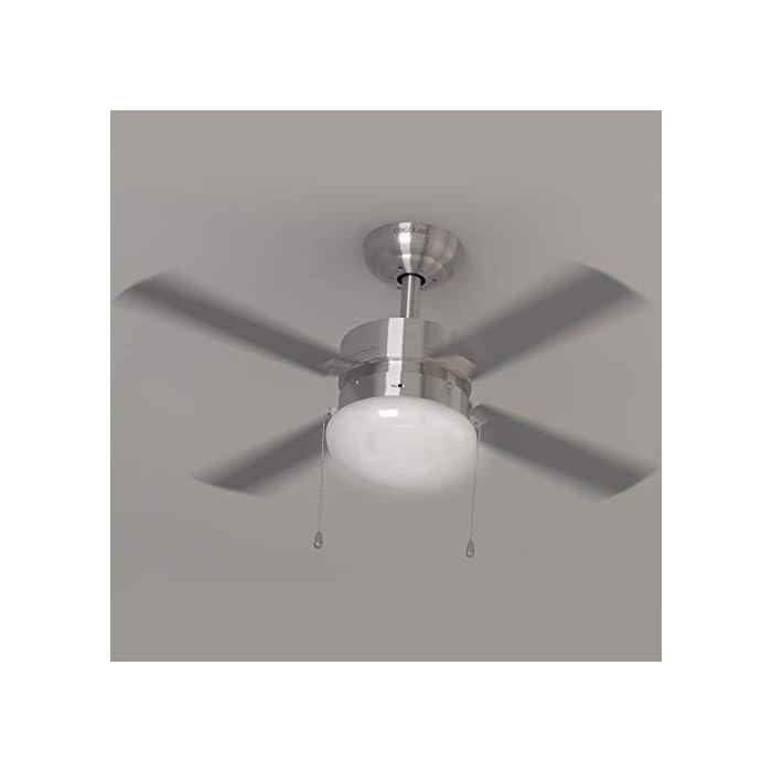 31B0Jp0IibL ForceSilence Technology: consigue una profunda sensación de aire fresco al instante con el máximo silencio y confort. AeroBlades: sistema formado por 4 aspas totalmente innovadoras, aerodinámicas y de gran diámetro, diseñadas para maximizar el flujo de aire y garantizar un caudal constante de aire fresco. Cool&Heat System: el ventilador dispone de función verano/invierno. Mediante un conmutador se selecciona el ángulo de incidencia del flujo de aire, hacia abajo en verano para generar una agradable brisa y hacia arriba en invierno para impulsar el aire caliente concentrado en el techo hacia el suelo. AirFlow Advance: tecnología capaz de generar un ambiente totalmente fresco de la forma más eficiente y con el mínimo consumo. DoubleSystem 2-in-1: el ventilador integra una lámpara que lo convierte en un práctico equipo híbrido. Ilumina tu hogar y consigue un ambiente perfecto de la forma más eficaz y asequible. 3Speed Function: podrás elegir entre 3 velocidades de funcionamiento (baja-Noche, media-Eco y alta-Turbo) para adecuar la intensidad del caudal de aire a tus necesidades. PowerWind: gran potencia de 50 W, con motor de alto rendimiento que aumenta el caudal de aire y la sensación de frescor.