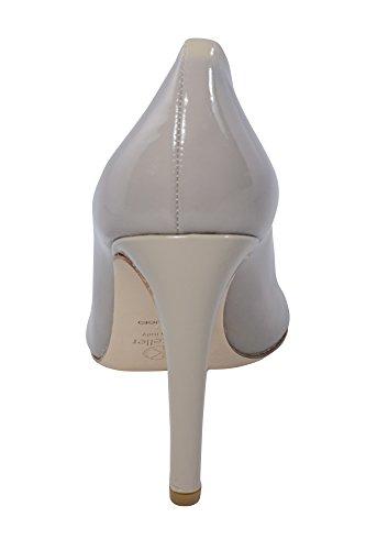 Dee Keller Kvinna Tiefärg Parker Läder Pump Klackar Nude Patent
