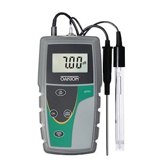 Oakton pH 6+ Handheld Meter Kit with Case, Solutions, and pH/ATC Probe by Oakton