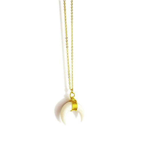 WORTHTRYIT Natural Seashell Double Horn Moon Crescent Pendant Necklace With 16