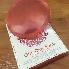 Brand New! Oh Thai Soap (1 Bar x 50G) Honey and Berry Facial Soap, Help in the treatment of acne by Triple W by Triple W Shop