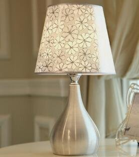 Kiven Antique Floral Lamp Modern Aluminum Table Lamp Simple Desk Lighting