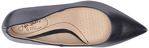 LifeStride Women's Pretty Pump