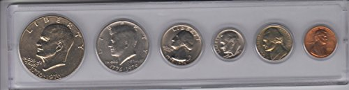 1975 BIRTH YEAR COIN SET- 6 COINS- IKE DOLLAR, KENNEDY HALF DOLLAR, WASHINGTON QUARTER, ROOSEVELT DIME, JEFFERSON NICKEL, AND THE LINCOLN CENT.- ALL THE DENOMINATION DOINS MINTED THAT YEAR, AND ENCASED IN A PLASTIC AIR TITE HOLDER FOR EASY DISPLAY--NOTE- PLEASE TAKE NOTICE THAT BECAUSE OF THE BICENTENNIAL YEAR 1776 TO 1976- THE DOLLAR, HALF DOLLAR AND QUARTER WILL NOTSHOW THE DATE 1975, THE OTHER 3 COINS DO---