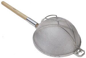 WOOD HANDLE 14'' ROUND STRAINER