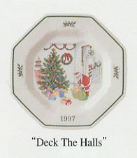 Nikko Nikko Happy Holidays Christmastime 1997 Collector's Plate, Deck The Halls , Christmas Dinner Plates