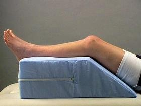Amazoncom Leg Elevator 10 high 20305 Knee Pillow Beauty