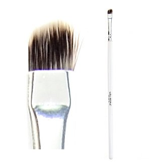 Cruelty Free Eye Brush by W3LL PEOPLE