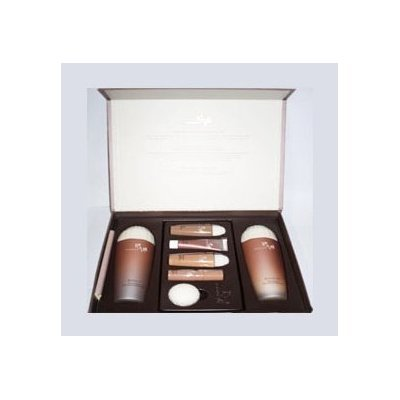 DONGINBI, Red Ginseng Deep Moisturizing 2-piece set. (Softener 130ml+ Emulsion 130ml+ Gift)...