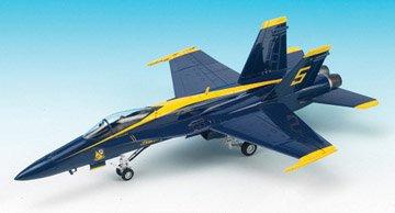 18a Blue Angels - F/A-18A Hornet Blue Angels 2009/10 USN Aerobatic Team Aircraft 1/72 Academy