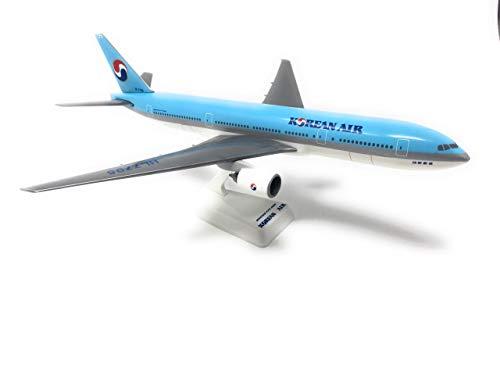 Korean Air (84-Cur) 777-200 Airplane Miniature Model Snap Fit 1:200 Part#ABO-77720H-011 (Renewed)