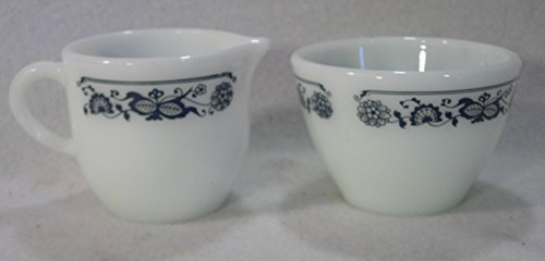 Pyrex Blue Onion, Old Town Cream and Sugar Set (Creamer Blue Onion)