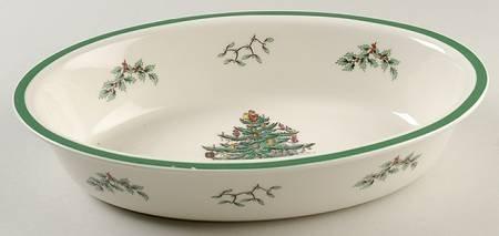 Spode Christmas Tree-Green Trim Medium Deep Oval Oven-to-Table Baker, Fine China Dinnerware