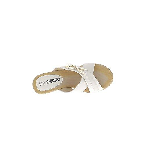 Sabots compensés blancs à talon de 10cm et plateau brides entrecroisées