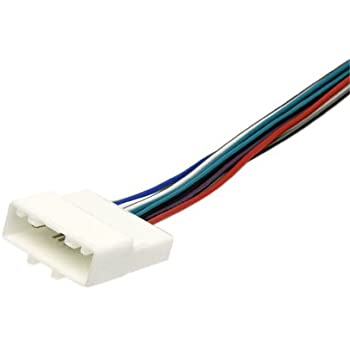 31D8E%2BsUMgL._SL500_AC_SS350_ amazon com stereo wire harness nissan versa 07 08 09 10 11 12 nn04b harness at panicattacktreatment.co
