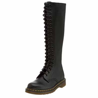 cc64fecac17 Dr. Martens Original 20 Eye Boot  Amazon.co.uk  Shoes   Bags
