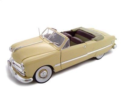 1949 Ford Convertible Cream Diecast Model 1/24 ()