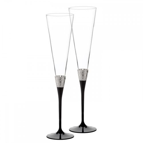 (Vera Wang with Love Noir Toasting Flute Pair)
