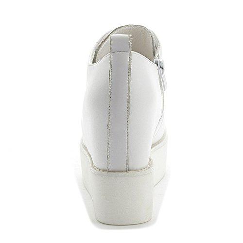 Btrada Dold Klack Kvinna Avslappnad Kil Sneakers Plattform Mode Dagliga Sneakers Vita